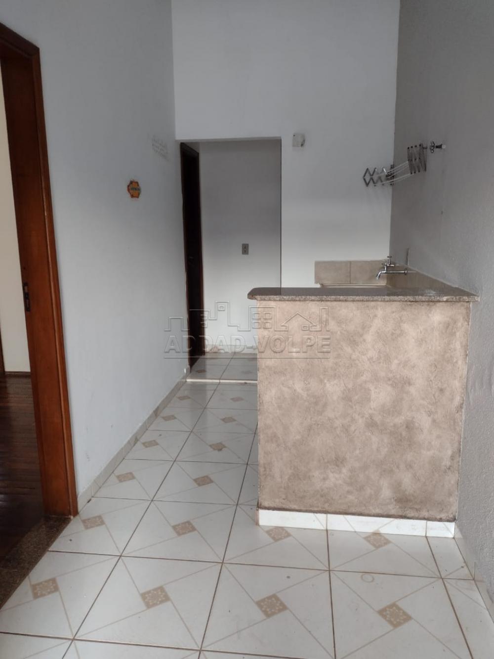 Alugar Casa / Padrão em Bauru R$ 2.000,00 - Foto 8