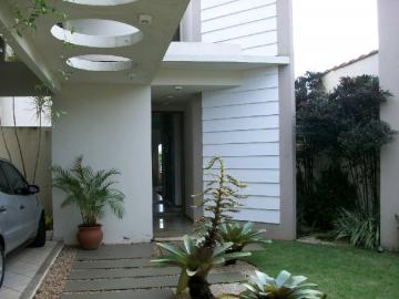 Alugar Casa / Padrão em Bauru. apenas R$ 1.380.000,00