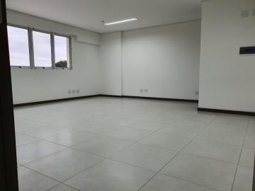 Comercial / Sala em Condomínio em Bauru Alugar por R$1.200,00