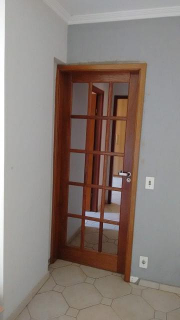 Apartamento / Padrão em Bauru Alugar por R$1.100,00