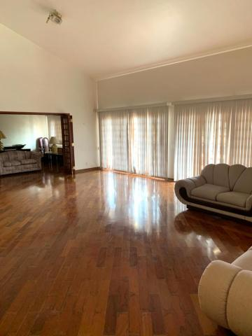 Alugar Casa / Sobrado em Bauru. apenas R$ 15.000,00