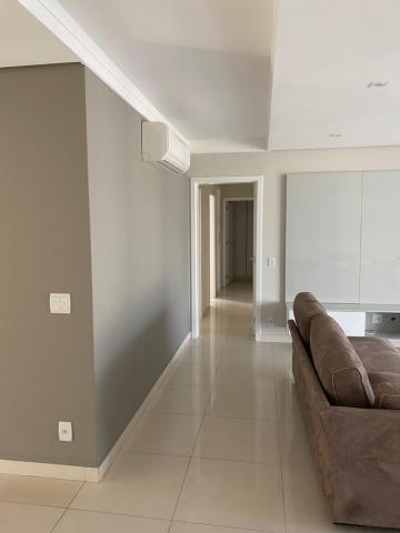 Alugar Apartamento / Padrão em Bauru. apenas R$ 4.300,00