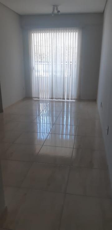 Alugar Apartamento / Padrão em Agudos. apenas R$ 250.000,00